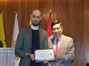 Entrega de certificados a los practicantes del Despacho