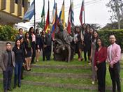 A su llegada, los jóvenes fueron recibidos por el Secretario General de la CAN, Héctor Quintero.