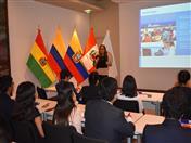 Los jóvenes fueron recibidos por la Directora General, Luz Marina Monroy.