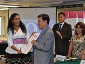 Secretario General de la CAN fue reconocido por Asociación Mujer Peruana.