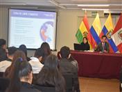 Política comercial en la Comunidad Andina, tema expuesto por el funcionario Jean Paul Van Brackel.