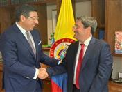Reunión con el Embajador de Colombia, Francisco Santos.