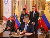 Firma de la Declaración Presidencial de Lima por parte del Presidente de Colombia.
