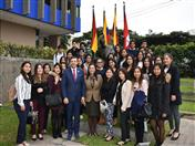 Secretario General de la CAN con estudiantes de la Universidad del Pacífico y ESAN.