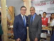 Secretario General de la CAN, Jorge Hernando Pedraza y Embajador Krishna R. Urs, de la Embajada de Estados Unidos en Perú.