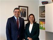 Secretario de la CAN, Jorge Hernando Pedraza, Directora de la Agencia Presidencial de Cooperación de Colombia, Ángela Ospina.